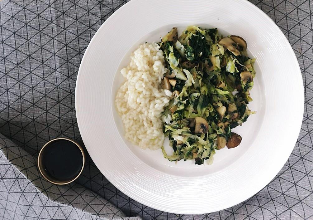U potrazi za dobrim špinatom ili wok s gljivama, kupusom i špinatom – Dan 23.