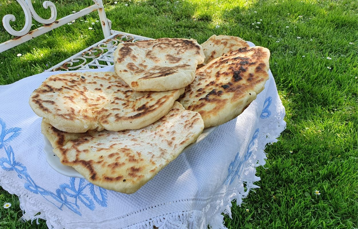 Tanki kruh iz Enzita Kitchen Studija