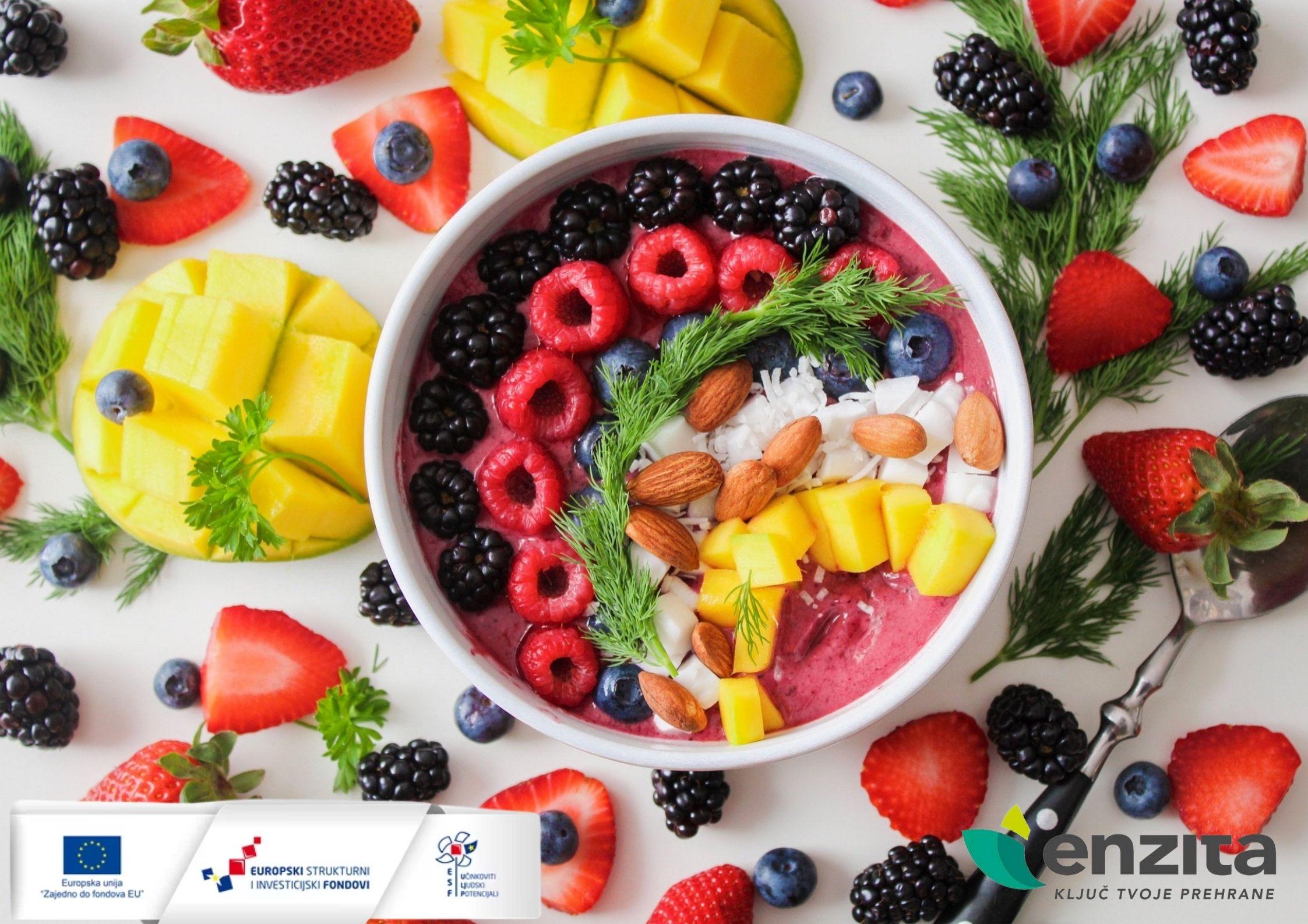 "Read more about the article 10 dobrobiti sirove prehrane / Projekt ""Hrana kroz život"""
